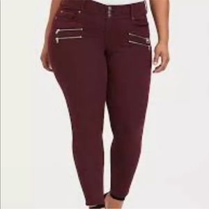 Torrid Burgundy Moto Zippers Skinny Jeans E25